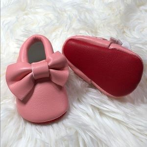 Other - 💋Valentine's Day Pink Red Sole bow baby moccasin